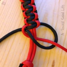 My Mom Made That: Paracord Survival Bracelet Double Cobra Detail