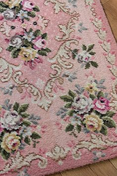 1940s rosy rug...