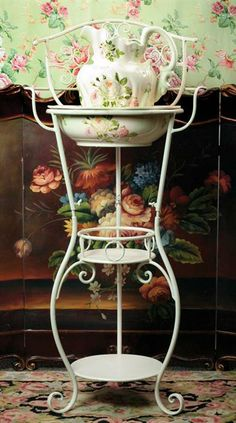 WASH STAND WITH WHITE ROSES BOWL & PITCHER -