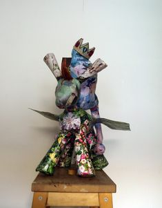 Visit the original blog for more photographs of the making of it. #art, #papercrafts, #crafts, #sculpture, #collage, #donkey, #beautiful