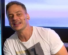 Screen caps of Tom Wlaschiha at the Rocket Beans TV