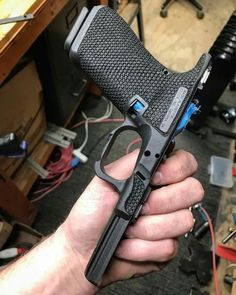 Glock Stippling, Camo Stencil, Glock Mods, M&p Shield 9mm, Rubber Band Gun, Custom Glock, Gun Art, Guns And Ammo, Tactical Gear