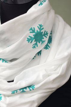 Easy Infinity Scarf Tutorial Skip To My Lou - Snowflake print Infinity Scarf Tutorial, Simple Snowflake, Winter Sky, Snowflakes, Sewing Crafts, Handmade Gifts, My Style, Easy, Clothing