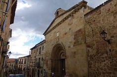La localidad de Sos del Rey Católico pertenece a la Comarca de las Cinco Villas