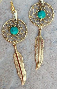 Gold Turquoise dream catcher earrings beautiful by SerenityJewelry Boho Jewelry, Jewelry Box, Jewelry Accessories, Jewelry Making, Dream Catcher Earrings, Gold Feathers, Bling, Looks Vintage, Bijoux Diy