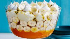 Banana pavlova trifle recipe Banana Trifle, I Want Food, Cream Cheese Eggs, Trifle Recipe, Vanilla Custard, Banana Slice, Pie Dessert, Recipe For 4, Pavlova