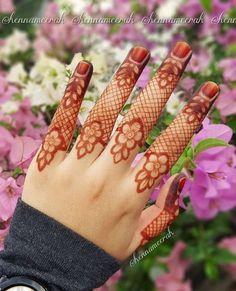 Mehndi or Henna for Fingers Designs Henna Hand Designs, Dulhan Mehndi Designs, Mehndi Designs Finger, Mehndi Designs 2018, Mehndi Designs For Girls, Mehndi Designs For Beginners, Modern Mehndi Designs, Mehndi Design Pictures, Wedding Mehndi Designs