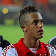 Richairo Zivkovic bekroonde zijn invalbeurt tegen Excelsior met een assist op de winnende treffer. De jonge spits hoopt dat hij door belangrijk te zijn voor Ajax een stapje dichter bij een basisplaats kan komen.