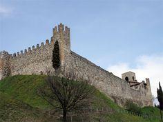 Padenghe sul Garda is een gemeente in de Italiaanse provincie Brescia (regio Lombardije). Padenghe sul Garda grenst aan de volgende gemeenten: Bardolino (VR), Calvagese della Riviera, Desenzano del Garda, Lazise (VR), Lonato, Moniga del Garda, Sirmione, Soiano del Lago. www.italyholiday.be