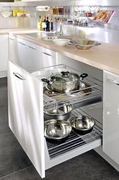 szuflady na garnki zamiast szafek Pot Rack, Sweet Home, Oven, Kitchen Appliances, House Design, Cabinet, Modern Kitchens, Extension, Pull