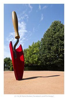 Colher de jardineiro / Paleta de jardineiro  / Garden trowel - Claes Oldenburg & Coosje van Bruggen - Serralves [2013 - Porto / Oporto - Portugal] #fotografia #fotografias #photography #foto #fotos #photo #photos #europa #europe #turismo #tourism #escultura #esculturas #sculpture #sculptures #arte #art @Visit Portugal @ePortugal @WeBook Porto @OPORTO COOL @Oporto Lobers