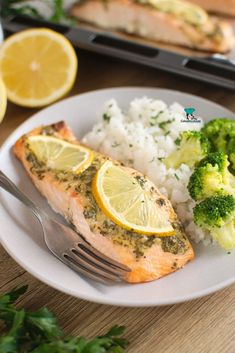 Łosoś cytrynowy Fish And Seafood, Fish Recipes, Broccoli, Vegetables, Cooking, Pierogi, Dinners, Diet, Salmon