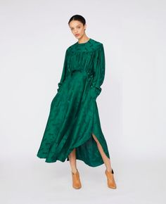 Stella Mccartney Green Horse Dress - Go Green Collections Green Wedding Dresses, Lace Evening Dresses, Satin Dresses, Jacquard Dress, Silk Dress, Stella Mccartney Dresses, Ladies Dress Design, Green Dress, Dress Collection