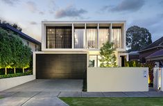 Stunning Australian home drawing nature in by Canny Architecture