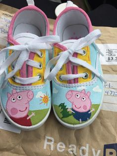 Made to order Adorable custom Peppa pig shoes, Peppa pig, George pig custom gifts, kid George Pig, Painted Canvas Shoes, Painted Sneakers, Hand Painted Shoes, Toddler Shoes, Kid Shoes, Baby Shoes, Birthday Outfit, Birthday Gifts