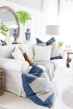 9 Astounding Useful Ideas: Coastal Style Plants coastal living room design. Beach House Style, Beach Cottage Style, Coastal Cottage, Beach House Decor, Coastal Style, Coastal Decor, Home Decor, Coastal Entryway, Coastal Rugs