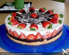 Erdbeer - Mascarpone - Torte, ein sehr leckeres Rezept aus der Kategorie Torten. Bewertungen: 190. Durchschnitt: Ø 4,6. Buffet, Cake Decorating, Cheesecake, Food And Drink, Strawberry, Health Fitness, Low Carb, Birthday Cake, Cupcakes