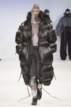 Manchester School Of Art Autumn/Winter 2015 Ready-To-Wear Collection