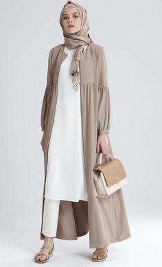Plain Kimono Cardigan Fashion Inspirations for Hijabies – Girls Hijab Style & Hijab Fashion Ideas Cardigan Fashion, Abaya Fashion, Modest Fashion, Fashion Clothes, Fashion Dresses, Kimono Cardigan, Style Fashion, Fashion Ideas, Casual Hijab Outfit