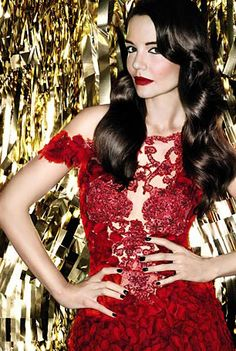 Katie Holmes for Bobbi Brown Hollywood Glam collection. Dying.