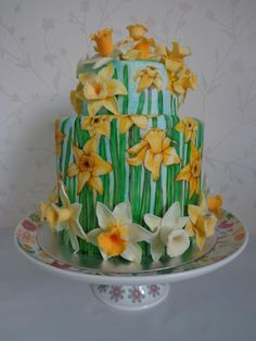 Spring Daffodil Cake Hand painted daffodil cake, with hand molded gumpaste daffodils.Cake was a vanilla sponge with vanilla buttercream. Pretty Cakes, Beautiful Cakes, Amazing Cakes, Art Deco Cake, Cake Art, Take The Cake, Love Cake, Cupcakes, Cupcake Cakes