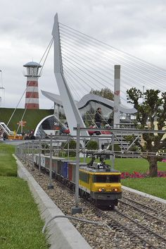 Don't miss Madurodam (Den Haag), miniature Holland Great Places, Places Ive Been, Beautiful Places, Leiden, Rotterdam, Netherlands Windmills, La Haye, The Hague, Beautiful Architecture