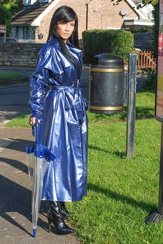 Raincoats For Women Polka Dots Vinyl Raincoat, Blue Raincoat, Plastic Raincoat, Pvc Raincoat, Hooded Raincoat, Rain Fashion, Latex Fashion, Imper Pvc, Vynil