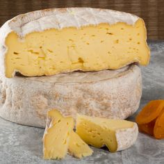 Oma - Von Trapp Farmstead (Vermont, USA) Cow, pungent washed rind with hints of peanut