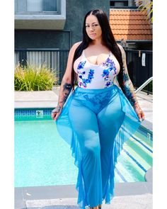 Ok so summer has been going way to fast for me. we need to slow this shit down! Curvy Hips, Swimwear Sale, Big Girl Fashion, Plus Dresses, Fashion Stylist, Plus Size Fashion, Bathing Suits, Ideias Fashion, Curvy Inspiration