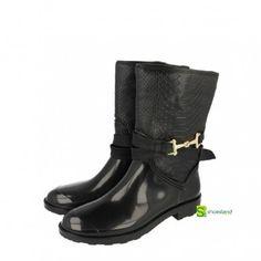 Te apuntas a la moda de las botas de agua? Estas botas de agua de Gioseppo son de caucho natural,calentitas por dentro, resistentes a los chaparrones y además elegantes !! Del 36 al 41