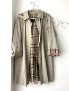 Vintage Burberry Trench with detachable hood Colour: tan Size: 6 **Has small mark on the Burberry Trench, Raincoat, Autumn Fashion, Women Wear, Street Style, Fall, Jackets, Vintage, Rain Gear