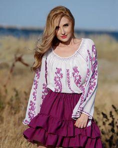IE TRADITIONALA ROMANEASCA - Motivul Trandafirul Mov Folk Embroidery, Traditional Fashion, Bell Sleeve Top, Costume, Street Style, Sewing, Blouse, Lace, Handmade