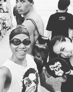 Race mode with the #strong #ladies of @tri_nirvana_st at @thailand_trileague #Pattaya.  #catchthesun #secrettraining  #triathlete #swimbikerun #triathlon #workout #swim #gorilla #blackandwhite #beastmode #hanumanPOWER