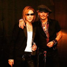 I received #AsiaIconAward ! Pic with #johnnydepp in #Tokyo #ClassicalRockAwards #backstage