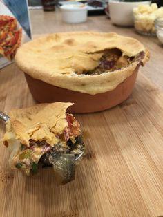 Πίτα καισαρείας Pie, Desserts, Recipes, Food, Torte, Tailgate Desserts, Pastel, Meal, Dessert