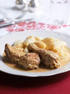 Kuře na paprice, obměna klasického receptu na slepici oblíbeného v dobách našich prababiček, má snazší a rychlejší přípravu, a přitom je božsky dobré! Poultry, French Toast, Chicken, Meat, Cooking, Breakfast, Food, Red Peppers, Kitchen