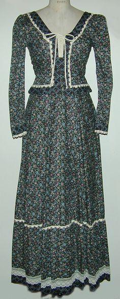 "Pretty ""milk maid"" style dress by Gunne Sax circa 1970's.  Nobody made retro romantic dresses like Gunne Sax. Jessica McClintock purchased the company in 1969."