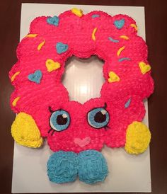 European design trends - I can't wait to change flat rooms. Shopkins Bday, Shopkins Cake, Shopkins Donut, Pull Apart Cupcake Cake, Pull Apart Cake, Donut Cupcakes, Cupcake Cakes, Doughnut, Cupcake Ideas