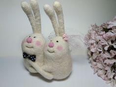 Купить Вместе - валяная игрушка, зайцы, пара зайцев, смешной подарок, недорогой сувенир