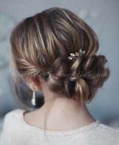 braided chignon Hairdos For Curly Hair, Bridal Hairstyles With Braids, Curly Wedding Hair, Plaits Hairstyles, Indian Bridal Hairstyles, Wedding Hairstyles For Long Hair, Wedding Hair And Makeup, Bride Hairstyles, Curly Hair Styles