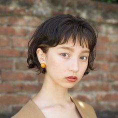 Pin on hair style Short Curls, Short Curly Hair, Short Hair Cuts, Curly Hair Styles, Kawaii Hairstyles, Pretty Hairstyles, Bob Hairstyles, Hair Inspo, Hair Inspiration