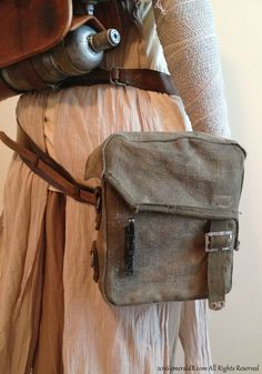Learn how to quickly add Rey's hip bag to your costume for around $12, by modifing an existing canvas bag!