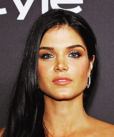 Actress Marie Avgeropoulos attends The 2017 InStyle and Warner Bros. Annual Golden Globe Awards Post-Party at The Beverly Hilton Hotel on January 2017 in Beverly Hills, California Great Pictures, Girl Pictures, Maria Avgeropoulos, The Beverly, Beverly Hilton, Beautiful Celebrities, Beautiful Women, Non Blondes, Cute Woman