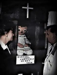 Ed & Lorraine Warren are the infamous paranormal investigators who inspired James Wan's century masterpiece, The Conjuring. The Warrens have. The Conjuring True Story, Cursed Objects, Haunted Objects, Annabelle Doll, Creepy History, Lorraine Warren, Most Haunted, Haunted Places, Spooky Places