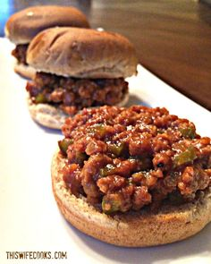 Vegan Sloppy Joe Sliders - A hearty and delicious vegan version of the Classic Sloppy Joe sandwich! Vegan Foods, Vegan Dishes, Vegan Vegetarian, Vegetarian Recipes, Cooking Recipes, Vegan Meals, Vegetarian Options, Tofu Recipes, Healthy Recipes