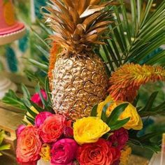 Casamento com cores vivas, tropical e ananas. Mariage tropical, couleures vives, flashy, flamant rose, ananás. Pineaple wedding tropical.