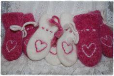 Heidis kreative sider: Tovede votter Knitting For Kids, Baby Knitting, Crochet Hooks, Knit Crochet, Baby Booties, Knitting Needles, Mittens, Tatting, Knitting Patterns