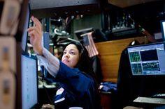 Stock Broker Woman. How to Become a Stockbroker !! www.stockbroker-career.com/