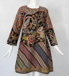 No photo description available. Kulot Batik, Batik Kebaya, Kebaya Dress, Blouse Batik, Model Dress Batik, Batik Dress, Lace Dress, Batik Fashion, Ethnic Fashion