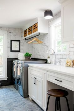 Best 20 Laundry Room Makeovers - Organization and Home Decor Laundry room decor Small laundry room organization Laundry closet ideas Laundry room storage Stackable washer dryer laundry room Small laundry room makeover A Budget Sink Load Clothes Kitchen Decor, Room Design, Laundry Mud Room, Room Makeover, Home, Room Storage Diy, Small Laundry Room Organization, Laundry Room Decor, Laundry Room Organization Storage